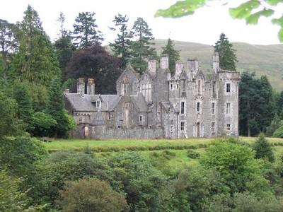 640px-Dunans_castle.jpg